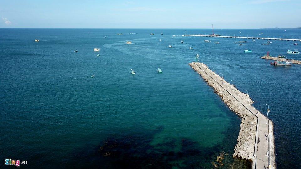 Cầu tàu tại mũi Dinh Cậu ở phía tây Phú Quốc.