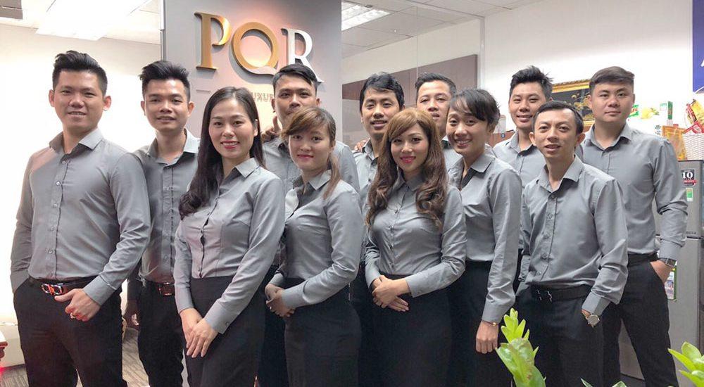 Tập thể Công ty PQR
