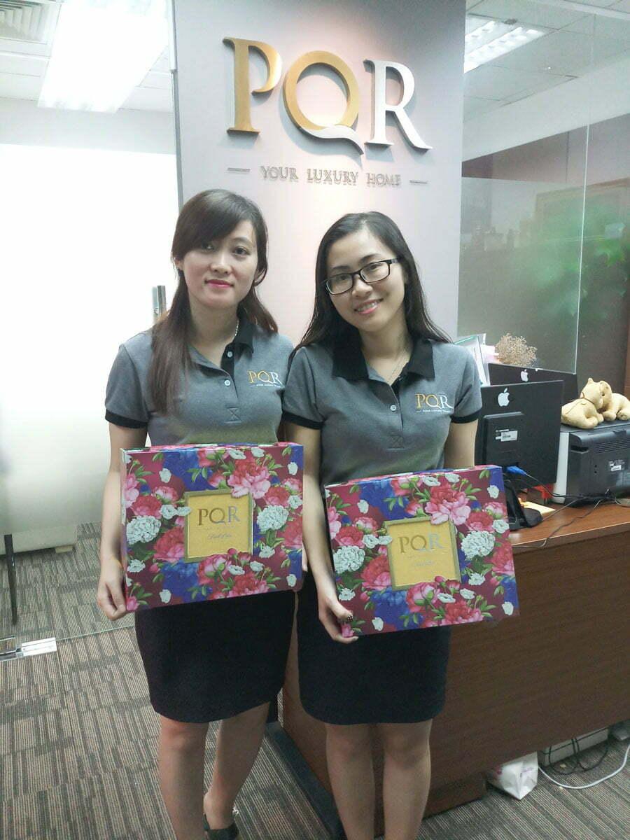 Vui trung thu và tặng bánh cho toàn thế CBNV Công ty Địa ốc PQR