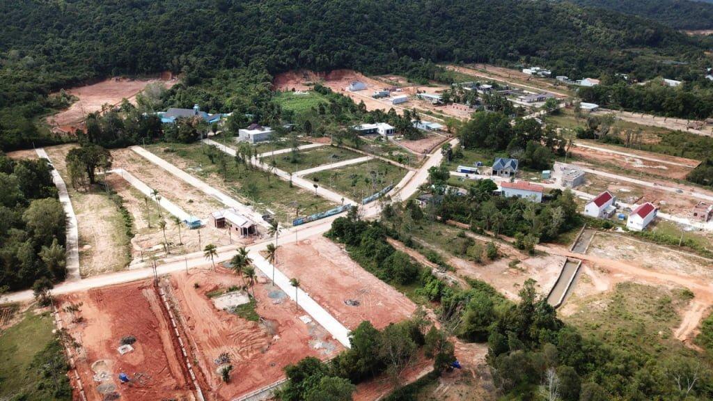 Phú Quốc sốt đất phân lô bán nền khi có thông tin sẽ trở thành đặc khu kinh tế